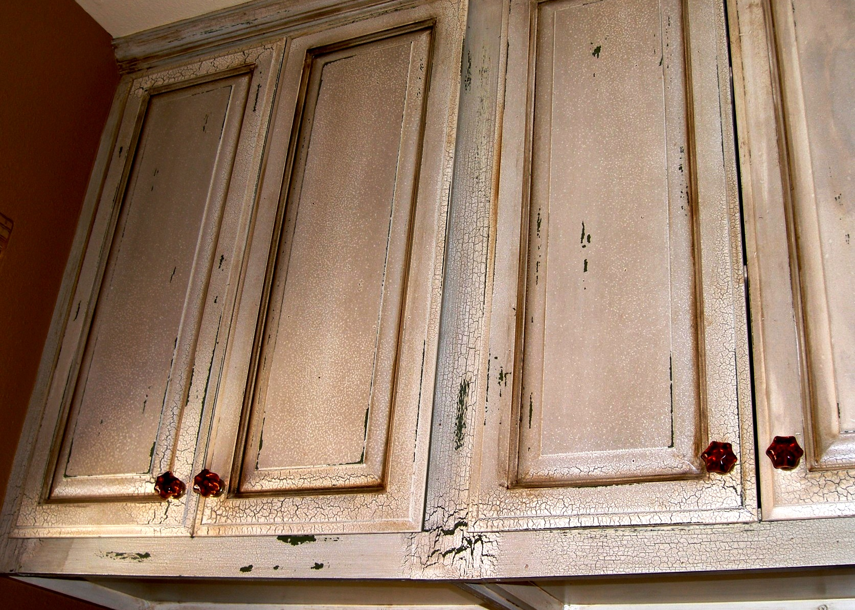 Distressed kitchen cabinet doors cabinet doors kitchen for Distressed kitchen cabinets